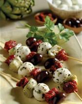 Mozzarella-antipasto-kabob