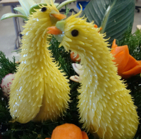 Love-birds-vegetable-carving_cropped-200