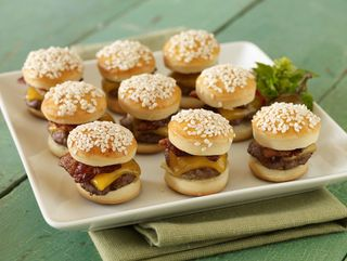 Mini-burgers-bacon